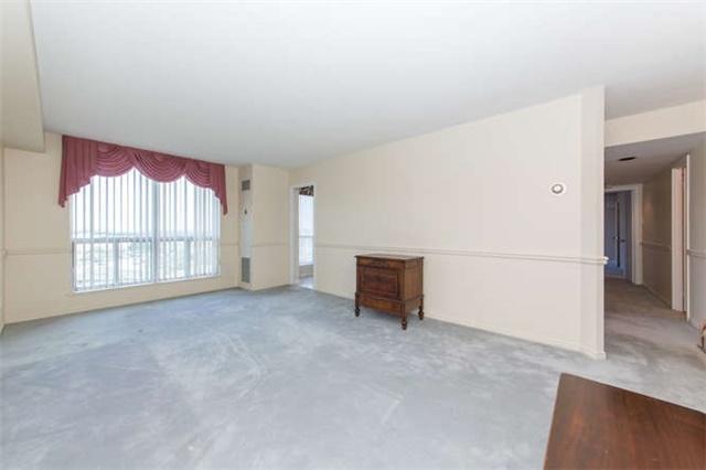 Condo Apartment at 360 Watson St W, Unit 1011, Whitby, Ontario. Image 15