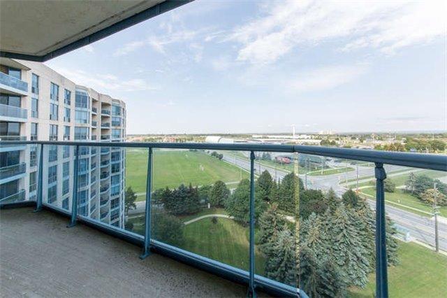 Condo Apartment at 360 Watson St W, Unit 1011, Whitby, Ontario. Image 7
