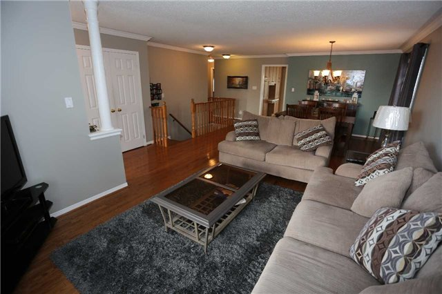 Detached at 1473 Greenvalley Tr, Oshawa, Ontario. Image 9