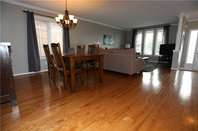 Detached at 1473 Greenvalley Tr, Oshawa, Ontario. Image 12