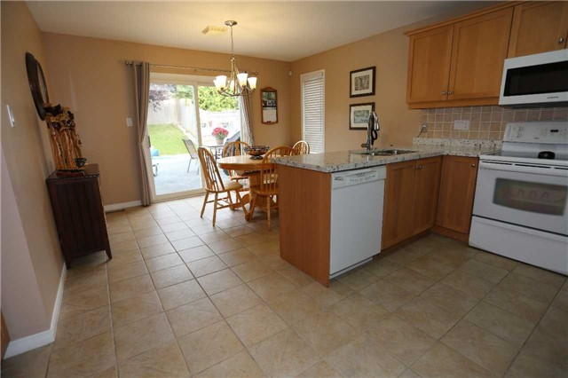 Detached at 1473 Greenvalley Tr, Oshawa, Ontario. Image 14