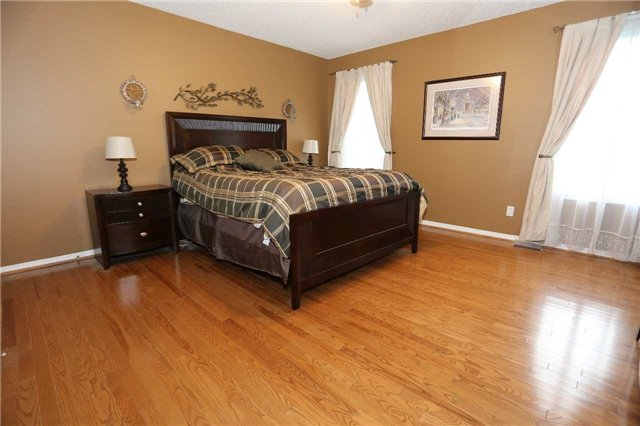 Detached at 1473 Greenvalley Tr, Oshawa, Ontario. Image 15
