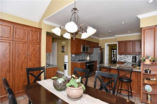 Detached at 15 Grist Mill Crt, Clarington, Ontario. Image 14