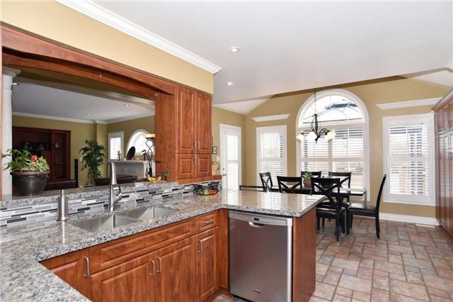 Detached at 15 Grist Mill Crt, Clarington, Ontario. Image 16