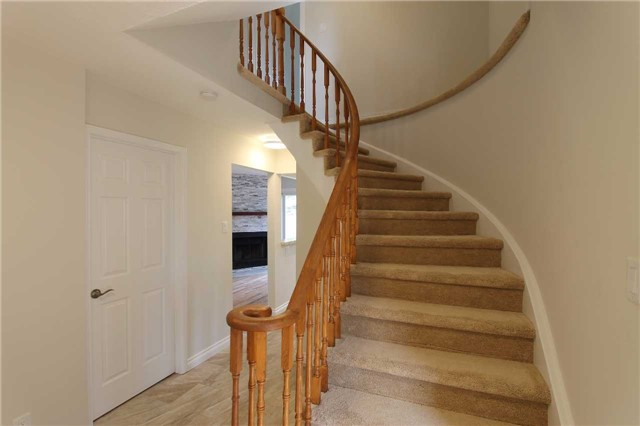 Detached at 2371 Strathmore Cres, Pickering, Ontario. Image 12