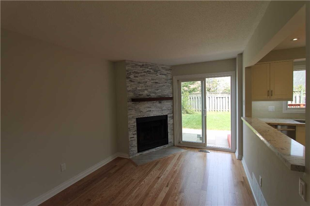 Detached at 2371 Strathmore Cres, Pickering, Ontario. Image 14