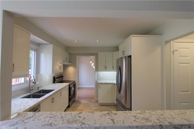 Detached at 2371 Strathmore Cres, Pickering, Ontario. Image 16