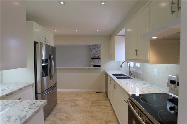 Detached at 2371 Strathmore Cres, Pickering, Ontario. Image 17