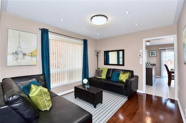 Detached at 18 Jacques Rd, Toronto, Ontario. Image 12