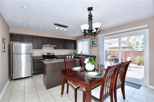 Detached at 18 Jacques Rd, Toronto, Ontario. Image 15