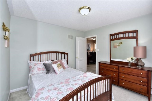 Detached at 18 Jacques Rd, Toronto, Ontario. Image 5
