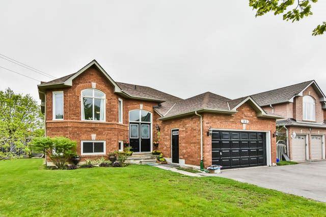 Detached at 2023 Valewood Crt, Oshawa, Ontario. Image 1
