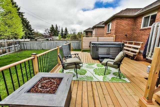 Detached at 2023 Valewood Crt, Oshawa, Ontario. Image 11