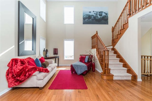Detached at 112 Carnwith Dr E, Whitby, Ontario. Image 16