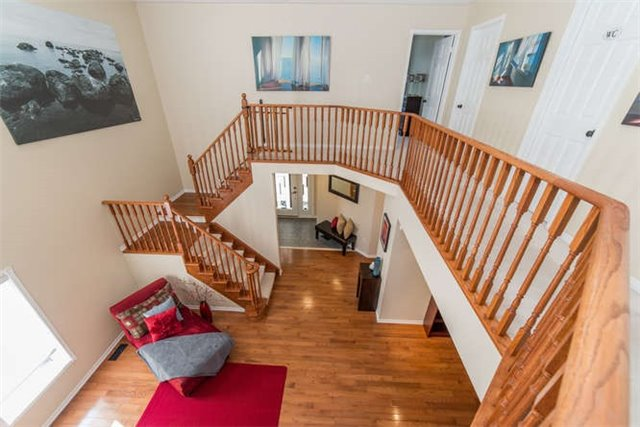 Detached at 112 Carnwith Dr E, Whitby, Ontario. Image 3