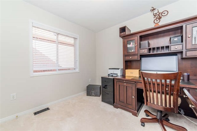 Detached at 112 Carnwith Dr E, Whitby, Ontario. Image 8