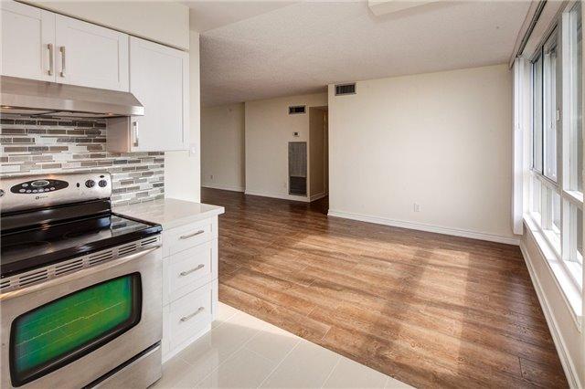 Condo Apartment at 1665 Victoria Park Ave, Unit 901, Toronto, Ontario. Image 2