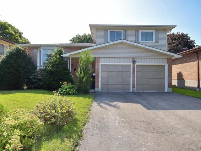 Detached at 4 Applewood Cres, Scugog, Ontario. Image 1