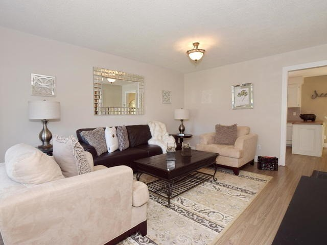 Detached at 4 Applewood Cres, Scugog, Ontario. Image 15