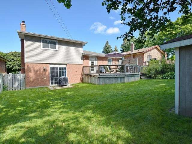 Detached at 4 Applewood Cres, Scugog, Ontario. Image 11