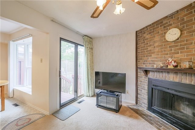 Semi-detached at 30 Withycombe Cres, Toronto, Ontario. Image 20