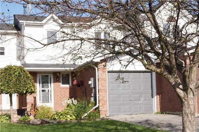 Townhouse at 23 Hanning Crt, Clarington, Ontario. Image 1