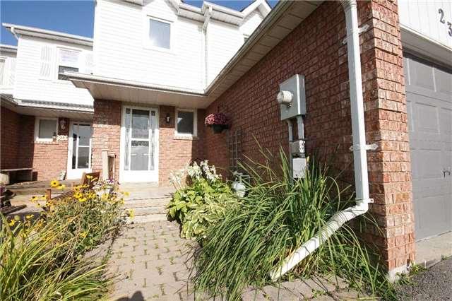 Townhouse at 23 Hanning Crt, Clarington, Ontario. Image 12