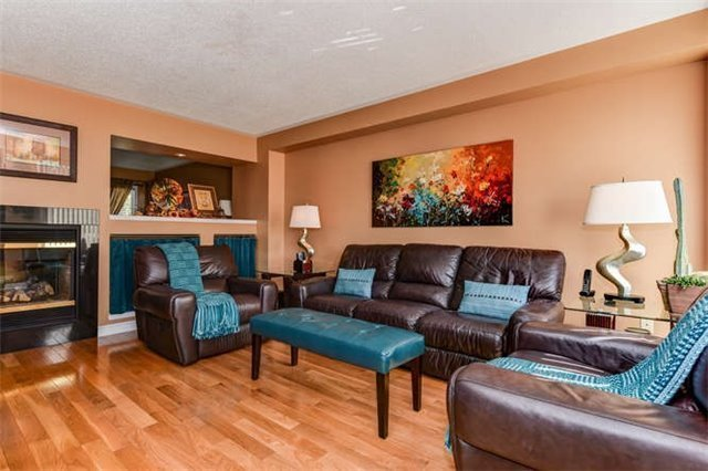Detached at 25 Constance Dr, Whitby, Ontario. Image 13