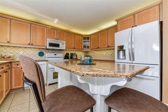 Detached at 25 Constance Dr, Whitby, Ontario. Image 16