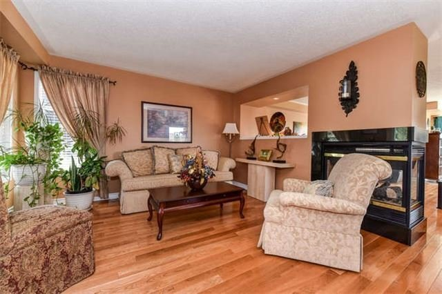 Detached at 25 Constance Dr, Whitby, Ontario. Image 18
