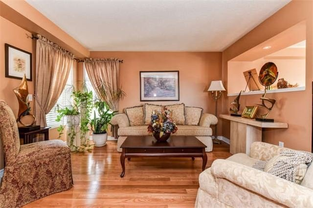 Detached at 25 Constance Dr, Whitby, Ontario. Image 19