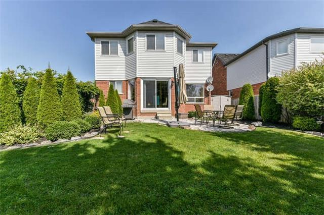 Detached at 25 Constance Dr, Whitby, Ontario. Image 10
