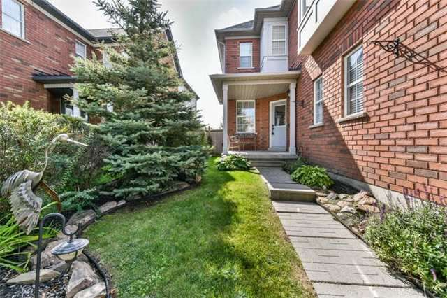 Detached at 25 Constance Dr, Whitby, Ontario. Image 11
