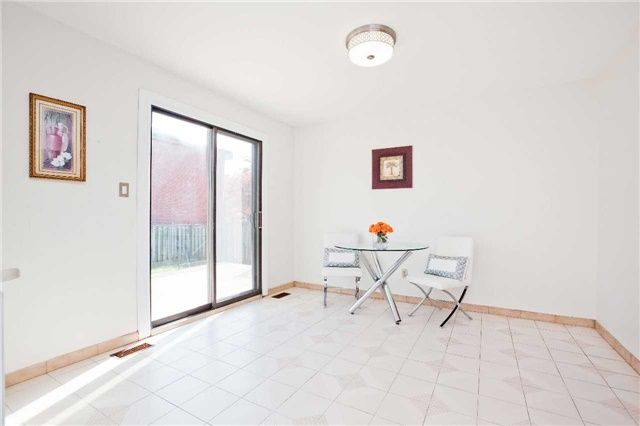 Detached at 125 Purcell Sq, Toronto, Ontario. Image 18