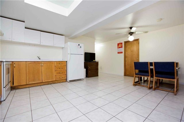 Detached at 125 Purcell Sq, Toronto, Ontario. Image 8
