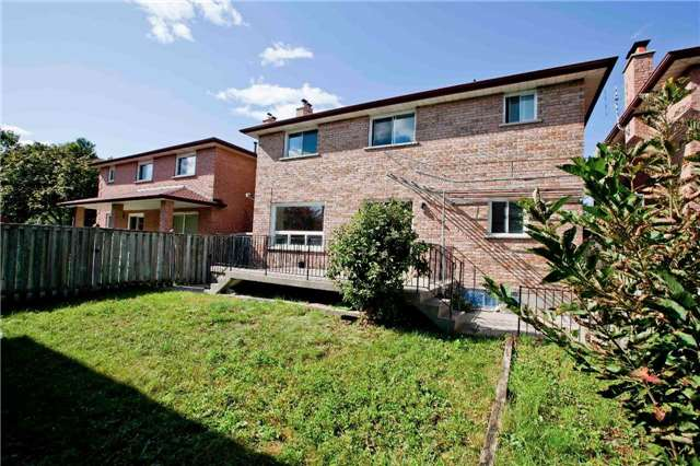 Detached at 125 Purcell Sq, Toronto, Ontario. Image 11