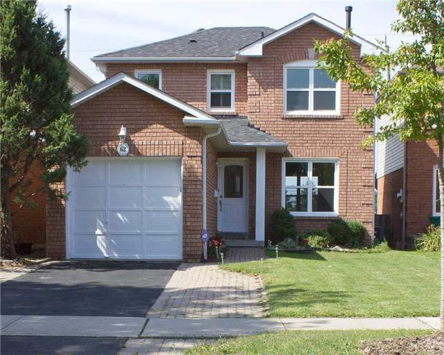 Link at 62 Sable Cres, Whitby, Ontario. Image 1