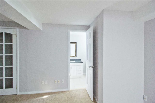 Link at 62 Sable Cres, Whitby, Ontario. Image 11
