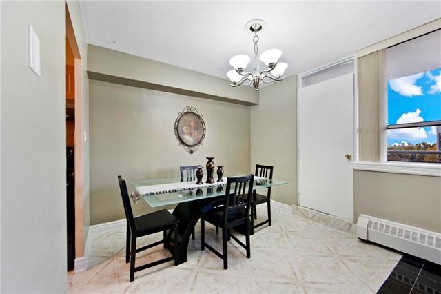 Condo Apartment at 180 Markham Rd, Unit 714, Toronto, Ontario. Image 18