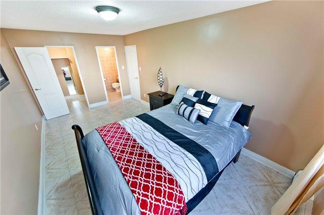 Condo Apartment at 180 Markham Rd, Unit 714, Toronto, Ontario. Image 4