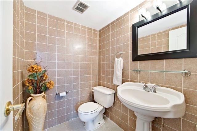 Condo Apartment at 180 Markham Rd, Unit 714, Toronto, Ontario. Image 5
