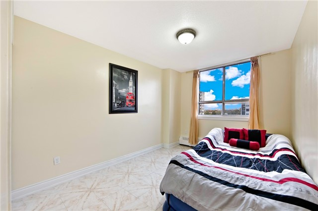 Condo Apartment at 180 Markham Rd, Unit 714, Toronto, Ontario. Image 6