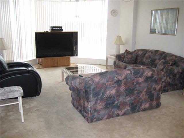 Condo Apartment at 10 Dean Park Rd, Unit 417, Toronto, Ontario. Image 9