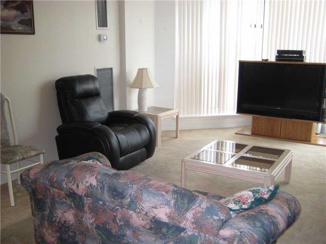Condo Apartment at 10 Dean Park Rd, Unit 417, Toronto, Ontario. Image 12