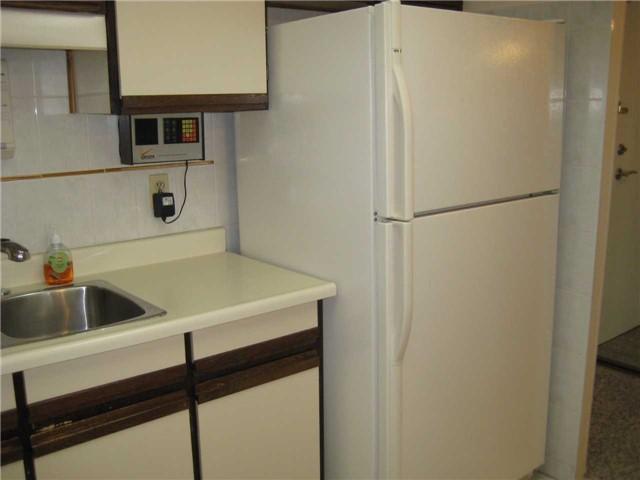 Condo Apartment at 10 Dean Park Rd, Unit 417, Toronto, Ontario. Image 15