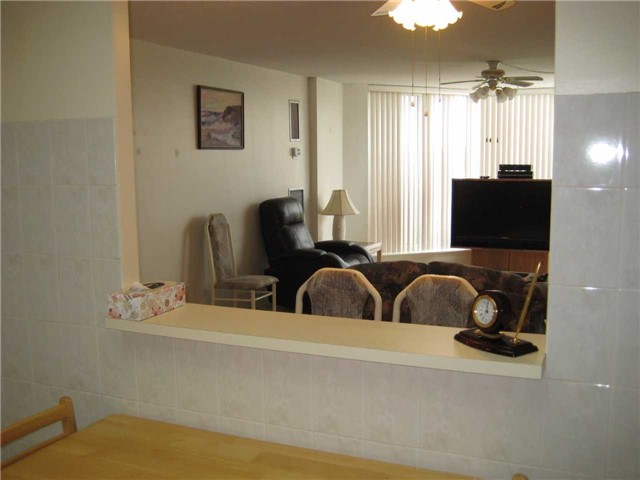 Condo Apartment at 10 Dean Park Rd, Unit 417, Toronto, Ontario. Image 16