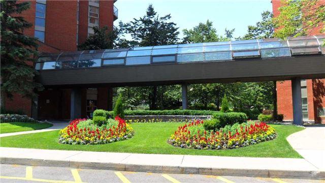 Condo Apartment at 10 Dean Park Rd, Unit 417, Toronto, Ontario. Image 6