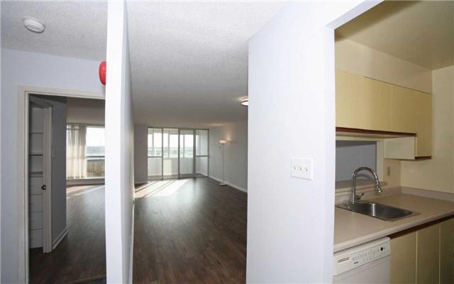 Condo Apartment at 1655 Pickering Pkwy, Unit Ph09, Pickering, Ontario. Image 7
