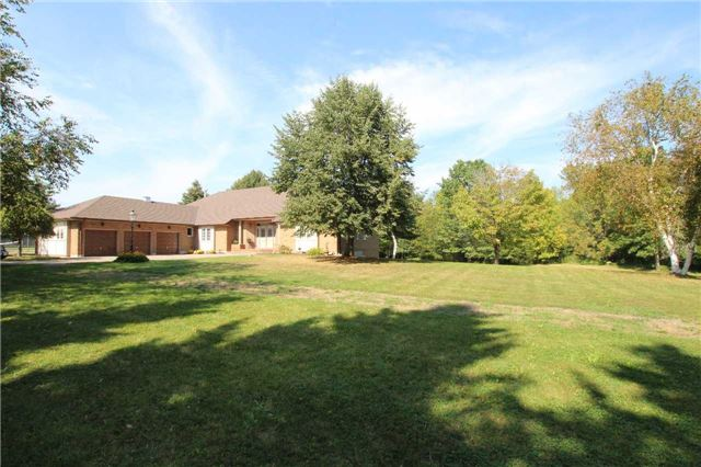 Detached at 1616 Victoria St W, Whitby, Ontario. Image 12