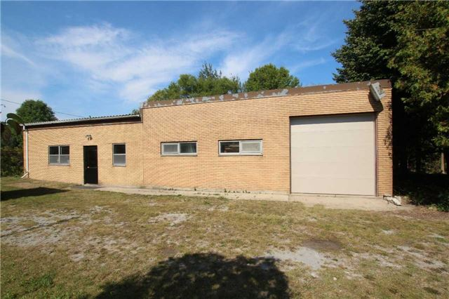 Detached at 1616 Victoria St W, Whitby, Ontario. Image 10